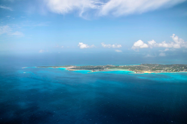vista aerea da ilha anguilla no caribe