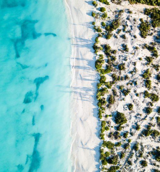 vista aerea da ilha turks e caicos no caribe