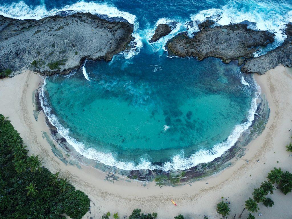 Playa Mar Chiquita nas Tierras Nuevas Poniente em Manati em porto rico