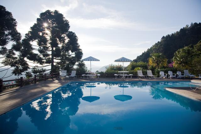 piscina no Hotel Rosa dos Ventos