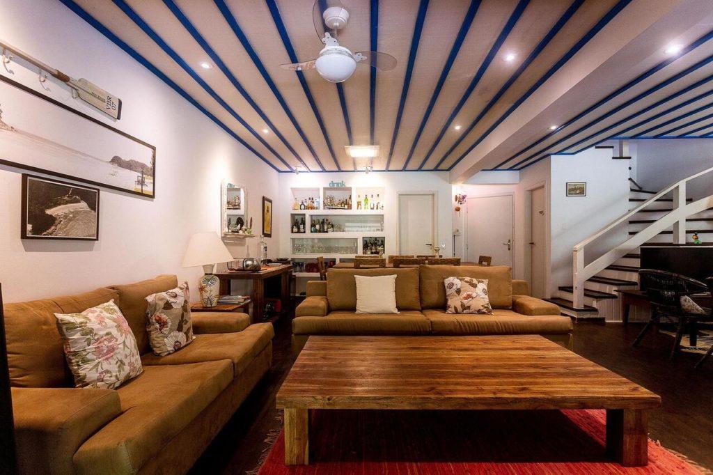 Sala de estar em casa de condomínio na Praia do Engenho