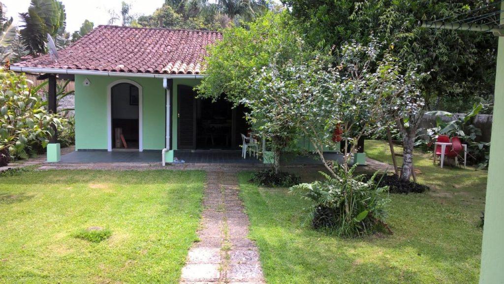 Casa em condomínio para aluguel na Praia da Jureia
