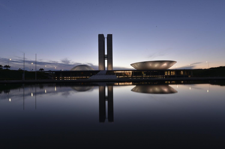 Congresso Nacional em Brasília, no Distrito Federal, ao entardecer - Foto: Senado Federal via Flickr