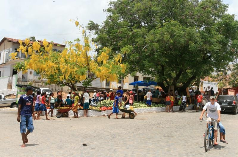 Feira no centrinho de Coruripe, no Alagoas
