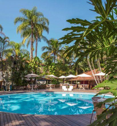 Piscina do Hotel Aldeia do Sahy, opção entre as pousadas na Barra do Sahy