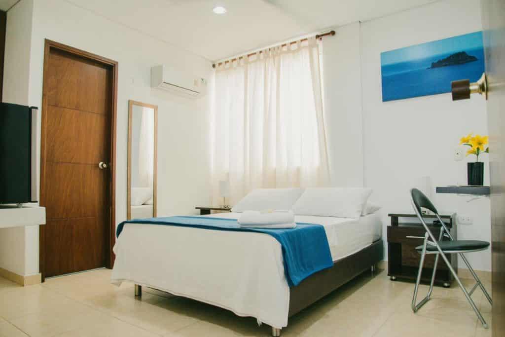 Quarto bem equipado no Hotel Tucuraca, em Santa Marta, na Colômbia