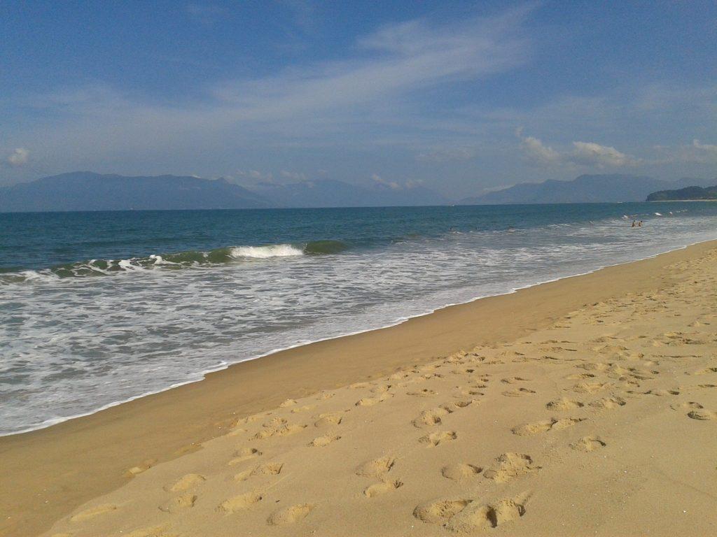 Mar na praia Massaguaçu, em Caraguá