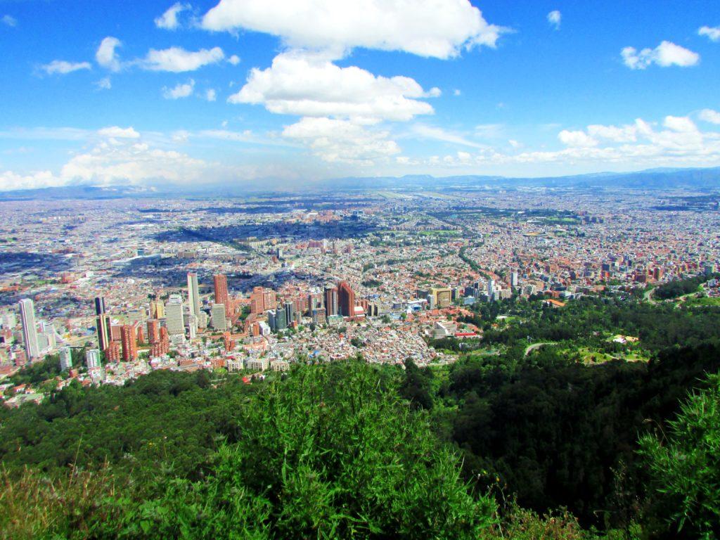 Vista a partir do Monserrate para a grande cidade de Bogotá abaixo