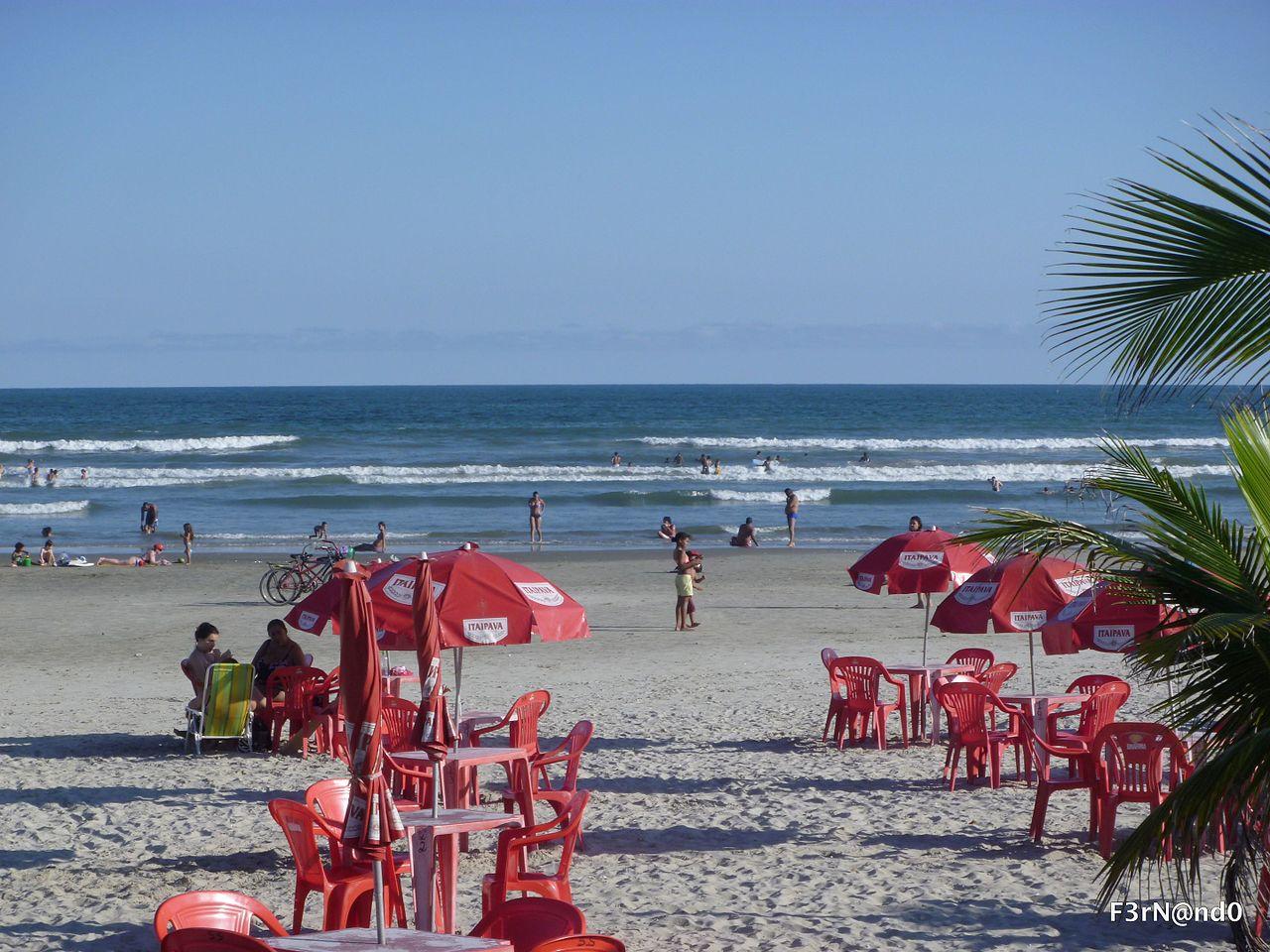 Foto da orla e do mar em Praia Grande SP