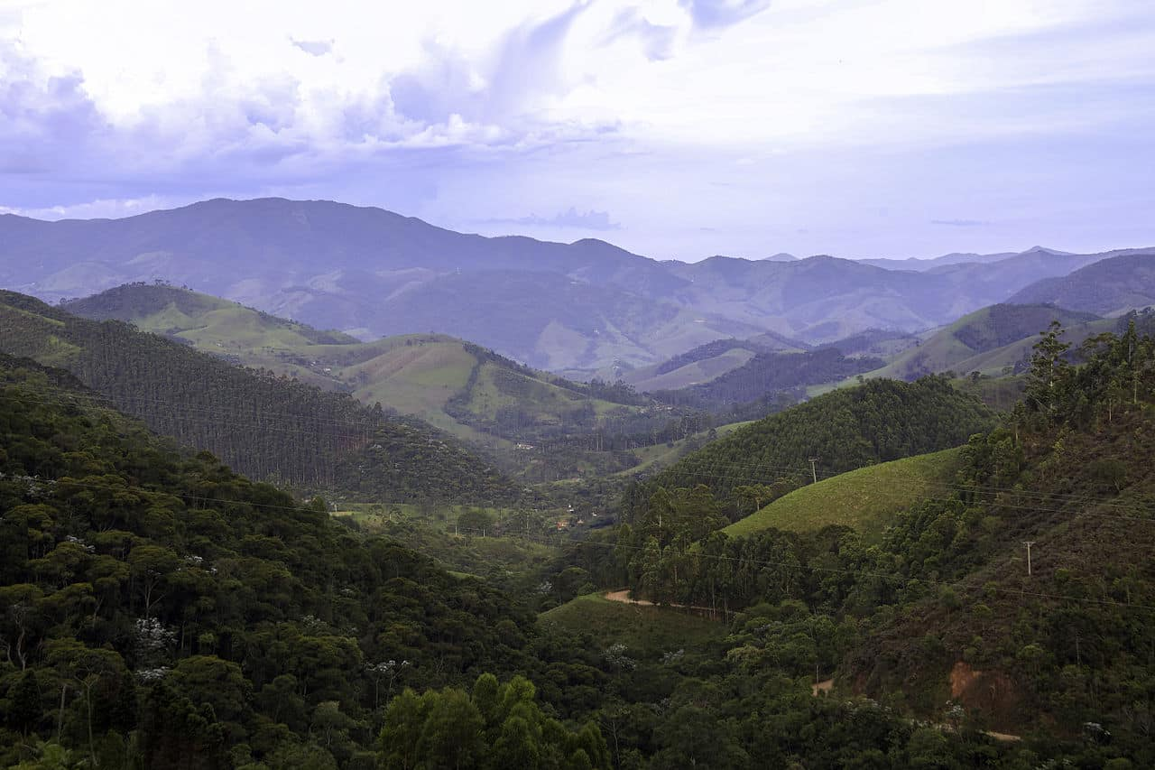 Vista de vales em São Francisco Xavier