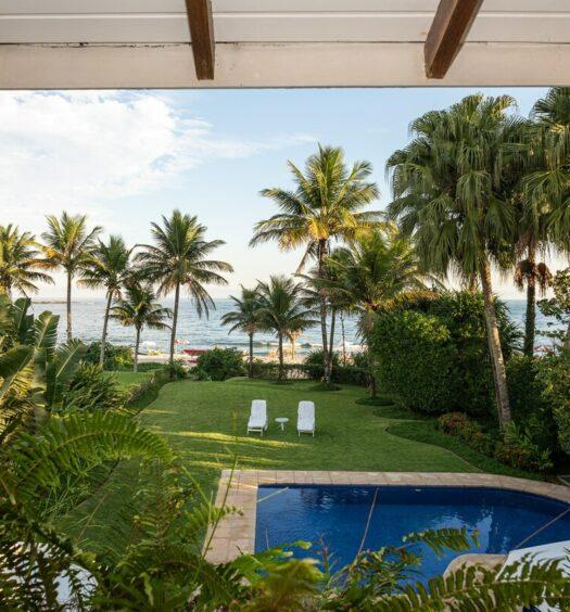 Linda Casa airbnb frente ao mar no Camburizinho