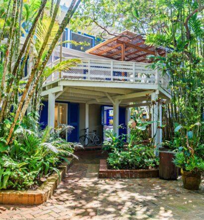 casa do deck em airbnb em camburi
