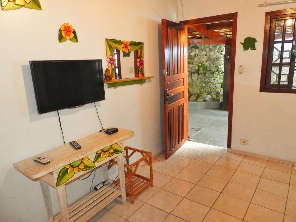 Sala em casa de praia para aluguem em Picinguaba, Ubatuba