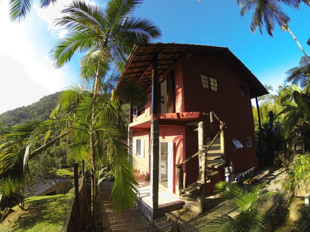 Local do Chalé do Félix com vegetação em volta