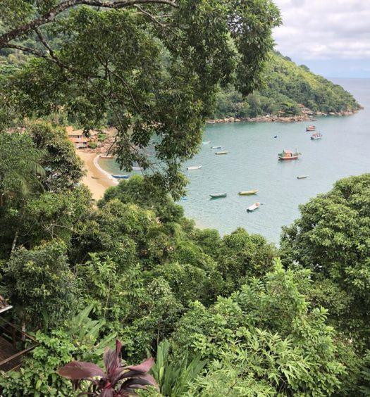 Vista da praia de Picinguaba a partir do Deck da Villa Pousada