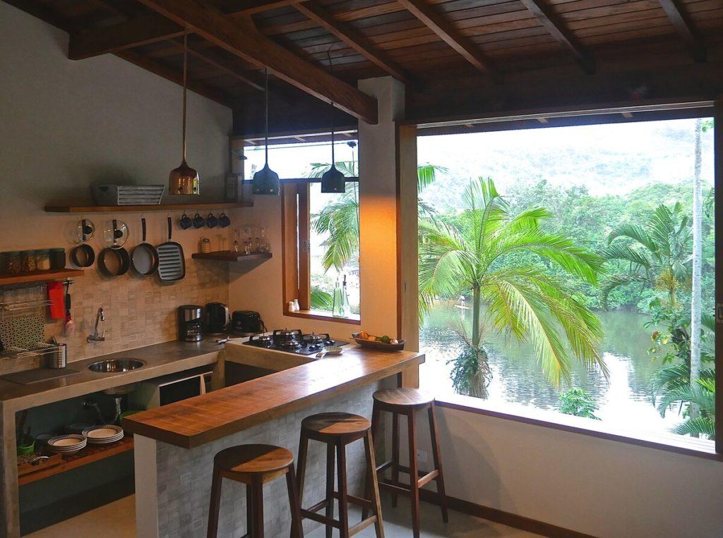 Cozinha com vista privilegiada no Paraíso Romântico 02