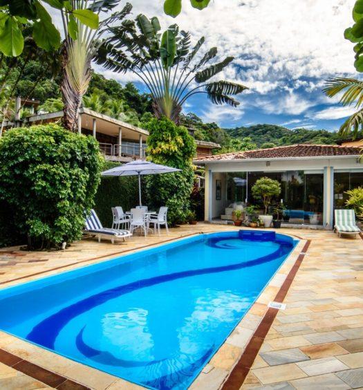área da piscina em casa só para família no airbnb em juquehy
