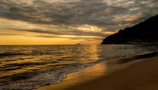 Airbnb na Praia de Santiago – Casas e Suítes Incríveis para Alugar