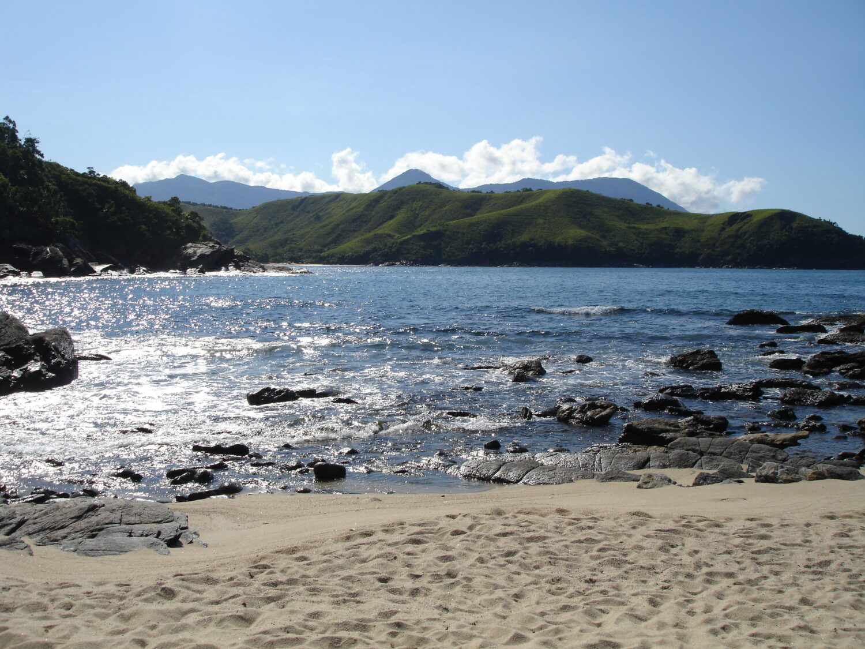 Praia de Calhetas em São Sebastião
