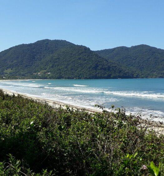 Vista da Praia da Lagoinha em Ubatuba, foto do Airbnb Praia da Lagoinha, Ubatuba - Casa pé na Areia!!