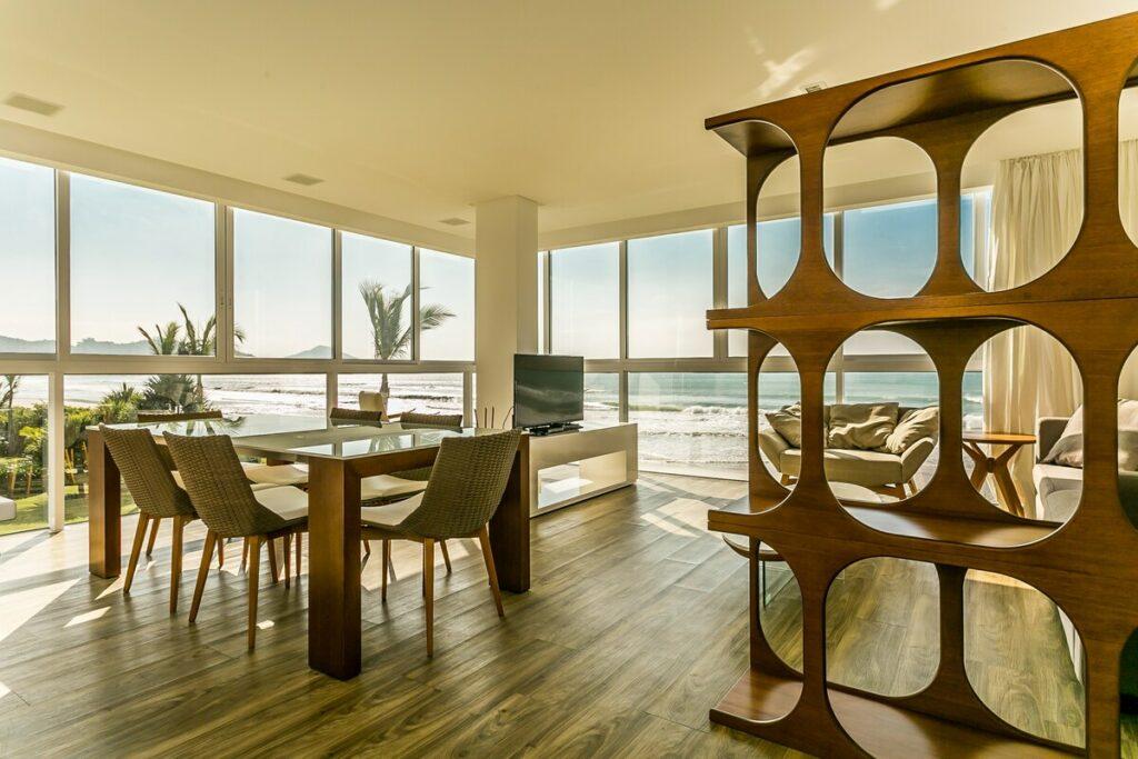 airbnb em Bombinhas pé na areia