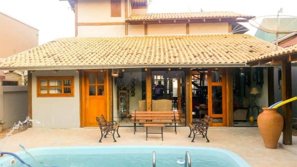 Casa com piscina em Bonito