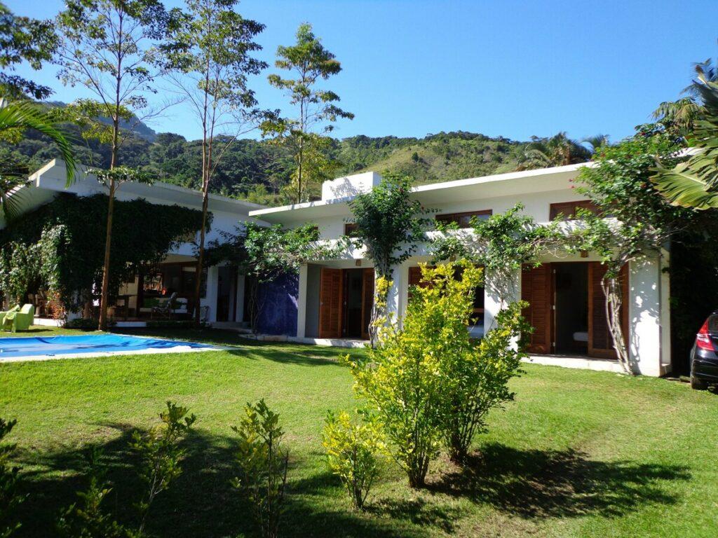 Casa Térrea e Ampla na praia de Santiago