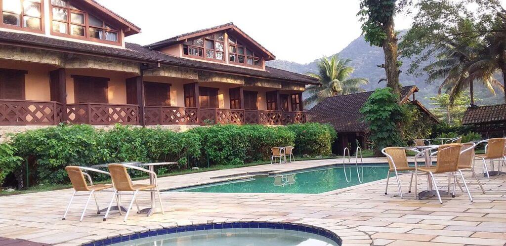 Área de piscina no Hotel Villa Di Capri