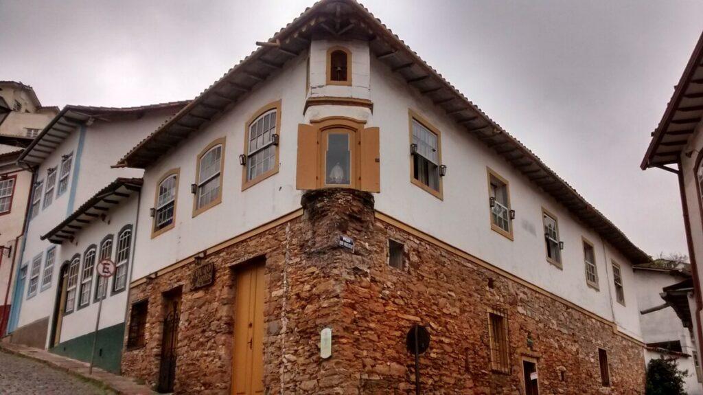 Kitinet Ouro Preto Charmosa e Segura no centro