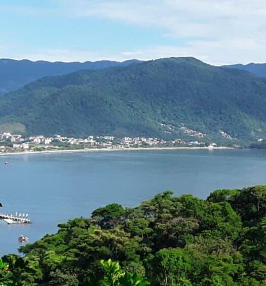 Vista da Praia do Tenório na Pousada Ubatuba do Alto