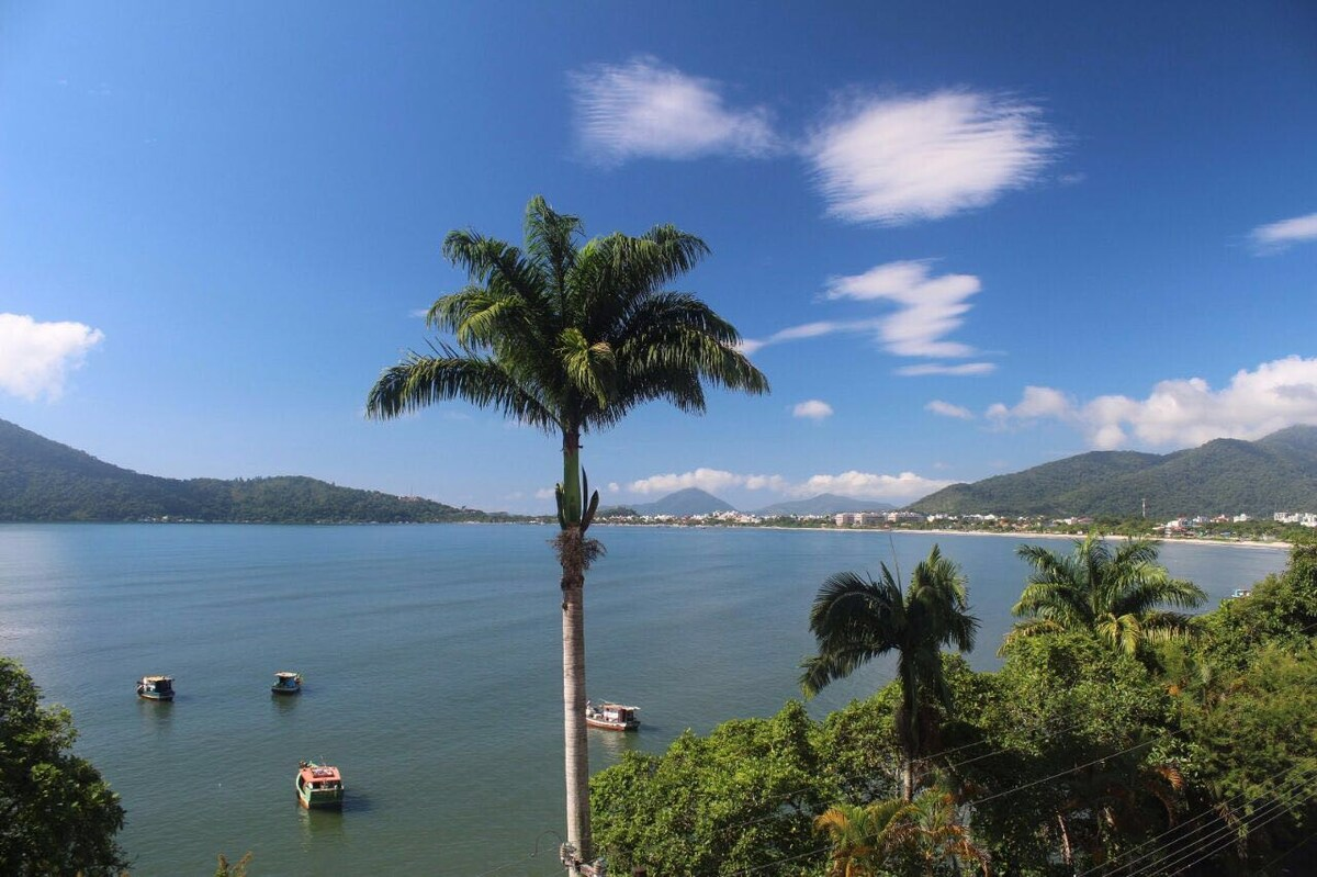 Vista do mar de Airbnb no centro de Ubatuba