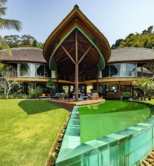 Ang001 - Luxuosa villa de 7 suites frente mar em Angra dos reis