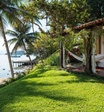 frente da casa beira mar delícia para relaxar em Paraty, RJ