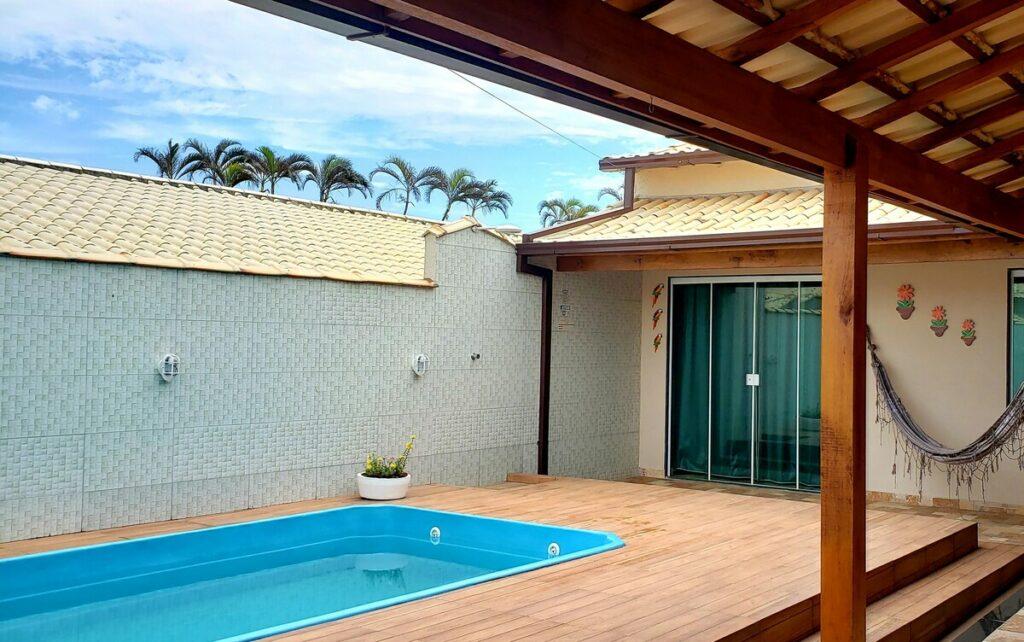 piscina na Casa de Praia no Condomínio em Cabo Frio