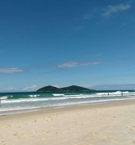 Praia do Campeche, um dos lugares mais procurados de Airbnb em Florianópolis
