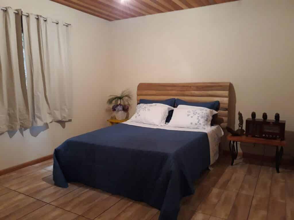 quarto do airbnb Casa Rústica em VIsconde de Mauá