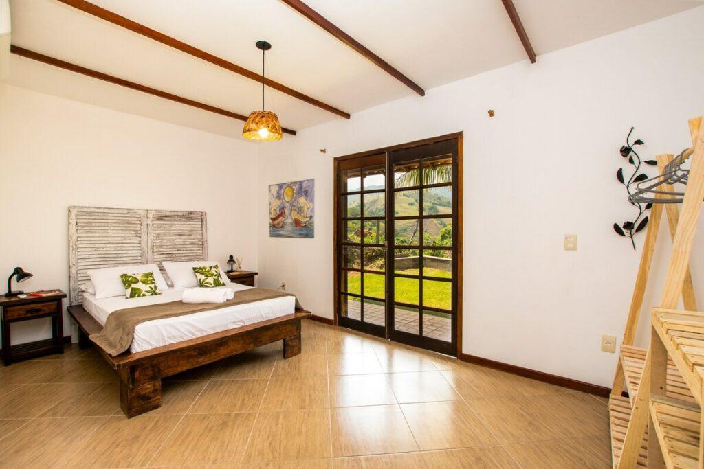 suíte do airbnb Morada das Artes em angra dos reis