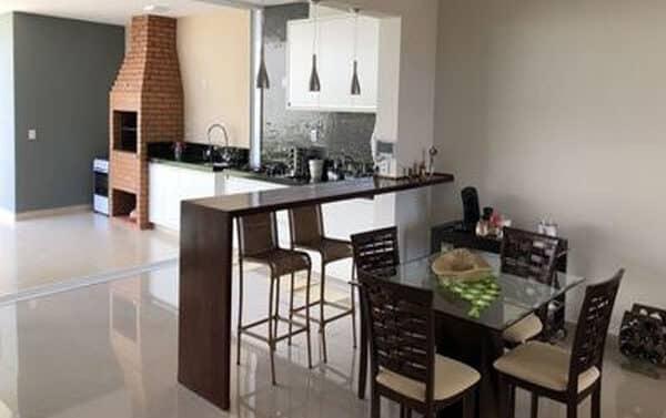 churrasqueira da Nova Casa airbnb com Piscina em Brotas