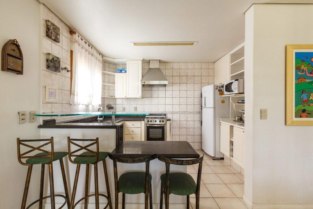 cozinha da Ótima Casa em Jurerê Internacional