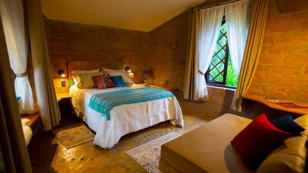 suíte do airbnb Casa Eliot no Sítio dos Cogumelos em Gramado