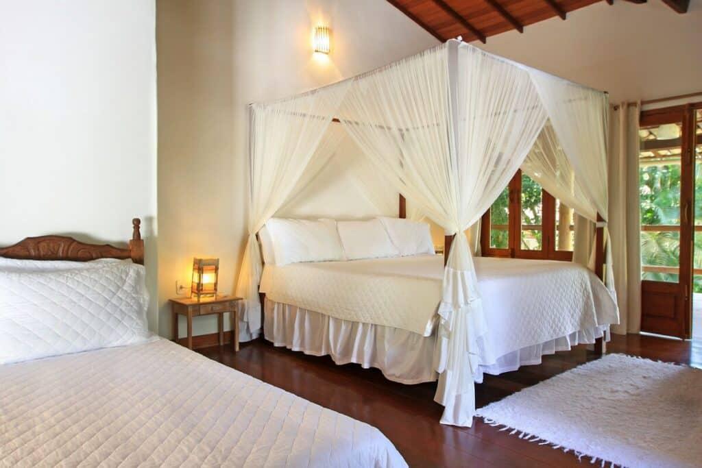 quarto do airbnb Casa Tranquila com Belo Jardim em Trancoso
