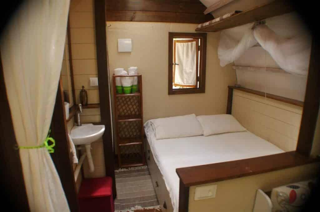 quarto do airbnb iglu embauba em imbassai