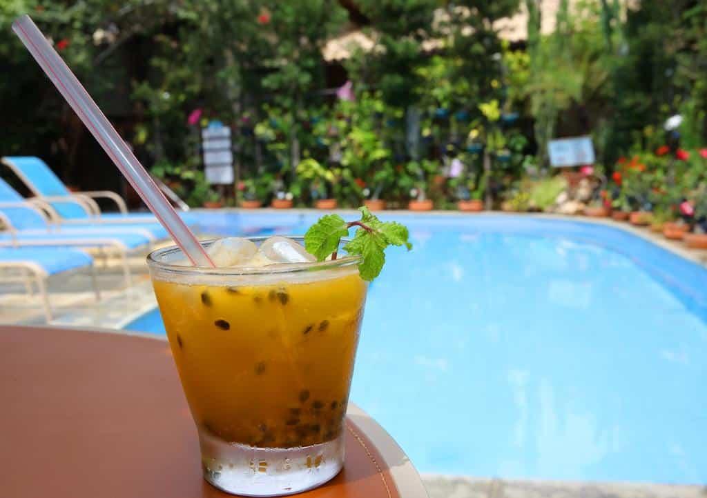 piscina da Pousada Ogum Marinho na praia do forte
