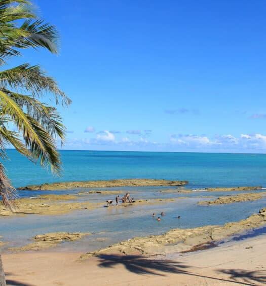 Praia de Japaratinga ilustrando post de pousadas na região