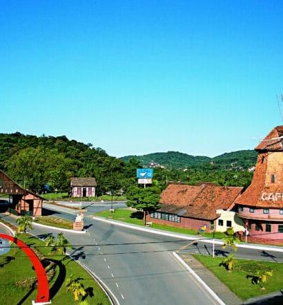 Entrada da cidade de Joinville, ilustrando post sobre as pousadas em Joinville