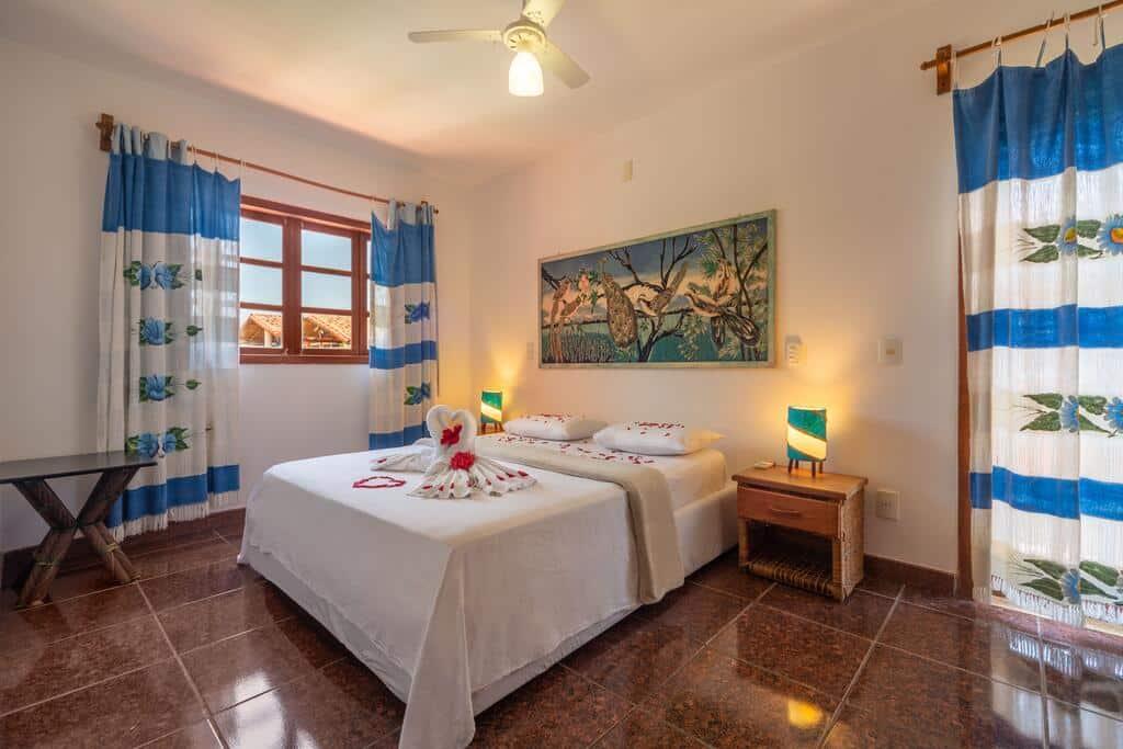 quarto da pousada Capoeira Village em porto seguro