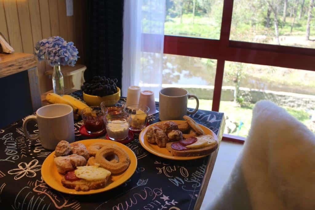 café da manhã na Pousada dos Cataventos
