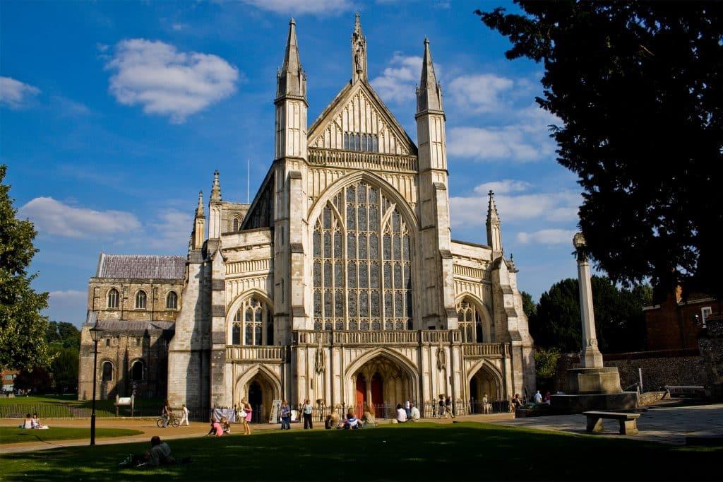 catedral de winchester nos pontos turisticos da inglaterra