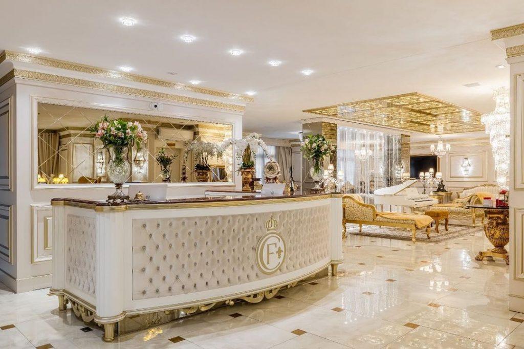Recepção do melhor hotel do mundo em Gramado - Colline de France