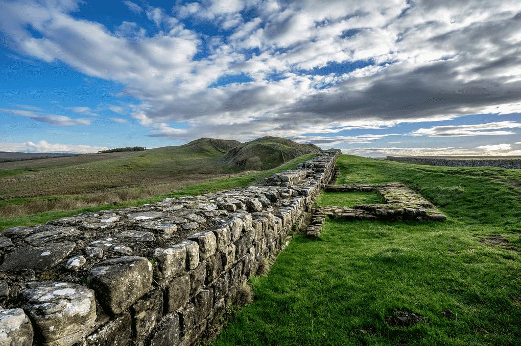 pontos turisticos da inglaterra com as muralhas de adriano